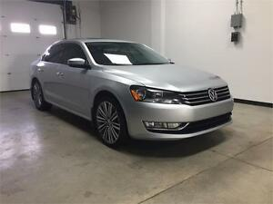 2015 Volkswagen Passat,5 speed,sport, Navi, leather,1 owner