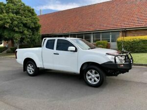 2013 Isuzu D-MAX MY14 SX White 5 Speed Manual Spacecab Chermside Brisbane North East Preview