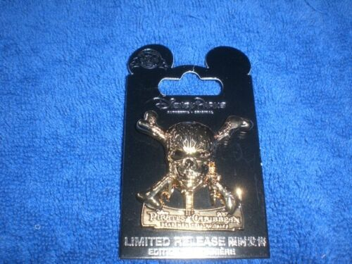 Disney 2017 Pirates of the Caribbean: DEAD MEN TELL NO TALES Opening Day Pin