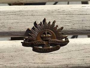 WW1-2 Australian Military Hat Badge Bundamba Ipswich City Preview