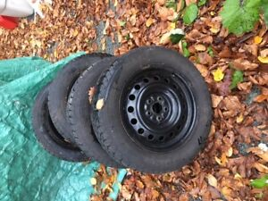 4 Goodyear Nordic Winter Tires 195/60/R15 ex condition