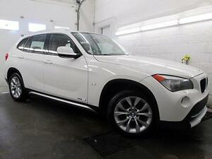 2012 BMW X1 BLANC / CUIR ROUGE TOIT PANOR. 89,900KM