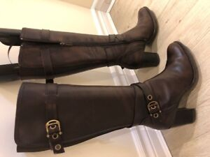 Womens boots and shoes, newer condition