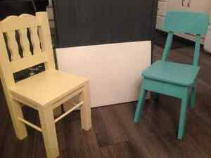 For sale child's table and 2 chairs London Ontario image 2