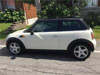 MINI COOPER 2009 * 95 000KM * 4 CYL 1.6L AUTOMATIQUE FULL CUIR