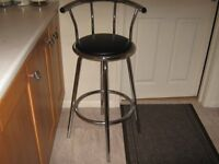 bar stool black and chrome as new