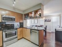 Condo For Sale In Mississauga! Spacious Lightfilled Space!