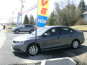 2014 Volkswagen Jetta Trendline Back up camera Factory warranty.