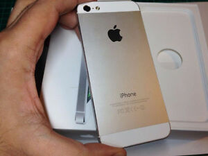 Silver iPhone 5 locked to virgin fully paid off mint condition London Ontario image 1