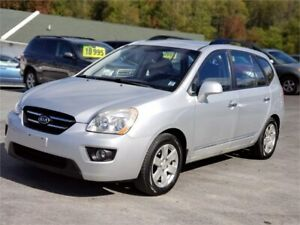 GREAT CAR! LOW MILEAGE! 2009 Kia Rondo LX 5 PASSENGER 4 CYL!