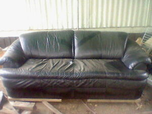 leaqther couch