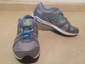 Women's New Balance 690 Running Shoes Size 8.5 London Ontario image 3