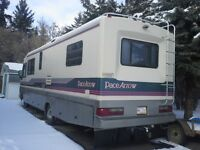 1992 Pace Arrow (Model 32' ) Motorhome in excellent condition