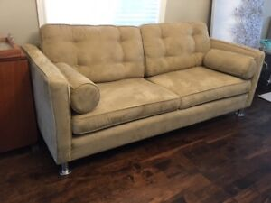 BEIGE FAUX SUEDE 3-SEAT SOFA AND CAPTAINS CHAIR