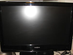 24 inch Insignia brand   Flat Screen TV with remote