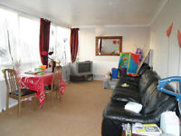 NO DSS PLEASE A TWO BED TOP FOOR NEAR TUBE WITH GARAGE