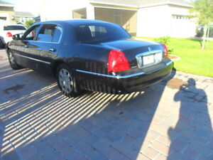 2006 Lincoln TownCar,Black.PrivateUsed,HiwayKm,Wellmaint Car