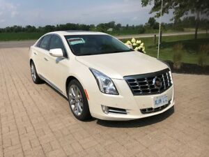 2013 Cadillac XTS AWD loaded 35,300km