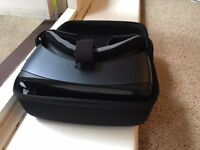 SAMSUNG GEAR VR R324 WITH REMOTE AND CASE MINT CONDITION