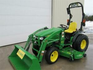 2015 JOHN DEERE 2032R TRACTOR WITH LOADER AND MOWER DECK
