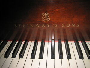 STEINWAY MOST POPULAR BABY GRAND. SUPERB. BROWN MAHOGANY..