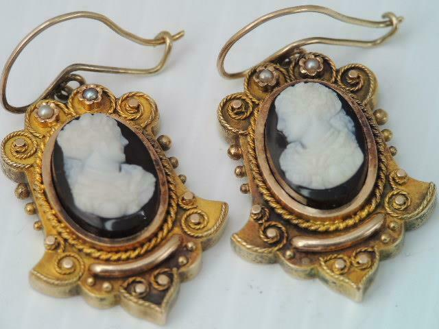 ANTIQUE VICTORIAN SOLID 14K GOLD BLACK & WHITE CAMEO DROP DANGLE EARRINGS