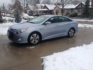 2013 Hyundai Sonata Hybrid Limited Sedan