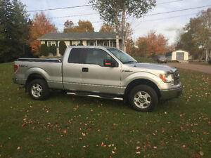 2011 Ford F-150 XLT Excellent Condition!!