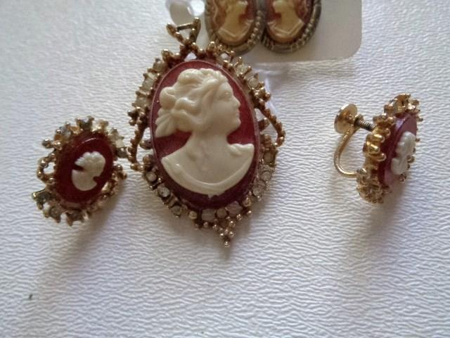 Vintage 10 Pc Gold Silver Tone Unmarked Cameo Lot Pins Brooch Earrings See Pics