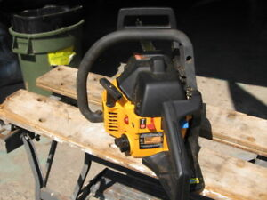Poulan Pro 42cc / 19-in Gas Chainsaw with carrying case