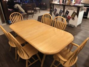 7 Piece Dining Room Table & Chair Set