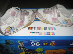 Girls size 10.5 Disney Princess shoes with VELCRO enclosure for