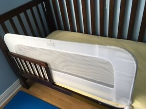 Crib\BedRail : 2 in 1 Convertible Crib Rail to Bedrail