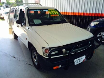 2002 Toyota Hilux TRAYBACK 3.0 Diesel 4 x 2 White 5 Speed Manual Dual Cab Bungalow Cairns City Preview