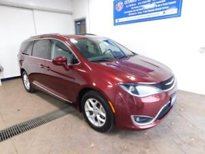2017 Chrysler Pacifica Touring-L Plus LEATHER NAVI SUNROOF