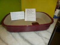 PAMPERED CHEF 3.3L RECTANGULAR BAKER - CRANBERRY - BNIB - NO LONGER AVAILABLE IN THE UK