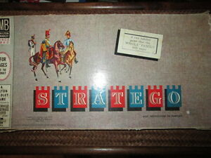 ***VINTAGE 1961 STRATEGO BOARD GAME COMPLETE W/WOODEN PIECES!!!*