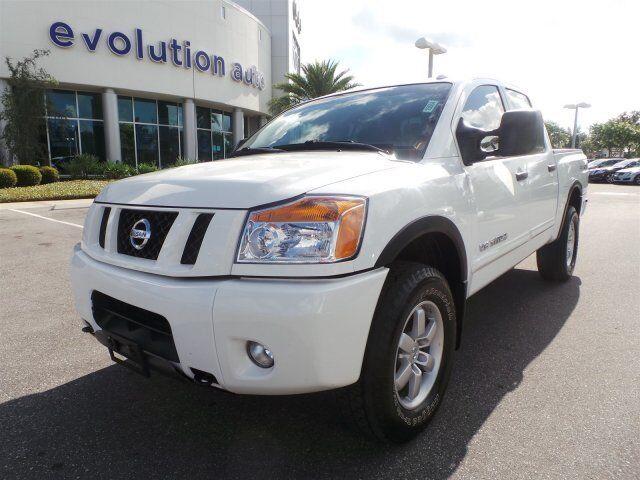 Nissan : Titan PRO-4X PRO-4X 5.6L CD 4X4 [A93] BEDLINER 4WD BLUETOOTH CRUISE CONTROL Tow Hitch