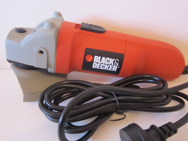 BLACK AND DECKER ANGLE GRINDER. 100MM - 900W