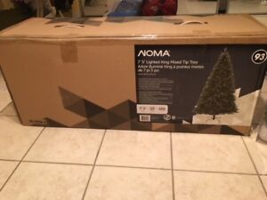 QUICK SALE!!! NOMA BRAND CHRISTMAS TREE