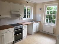 4 Bedroom detatched property to rent in Ashford £850 in total plus bills