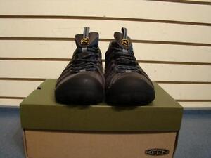 Keen. Paire de souliers de travail. -- 718741