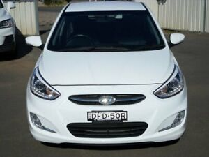 2015 Hyundai Accent RB3 MY15 SR White 6 Speed Sports Automatic Hatchback Young Young Area Preview