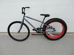 VéloTerrex mongoose,pneu 4 po,bicycle Fat boy Moose,Huffy Kola