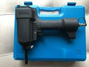 Air locker ap700 professional Punch Nailer/Nail Remover. NEW