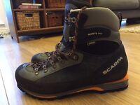 SCARPA MANTA PRO Walking Boots - Size 11