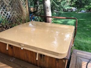 Deluxe Hot Tub Cover:  Brand New!