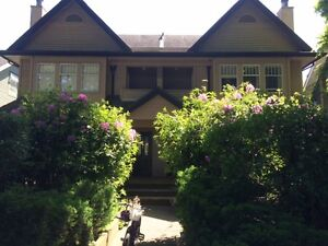 Beautiful 2 Bed/3 Bath Townhouse in Kitsilano!