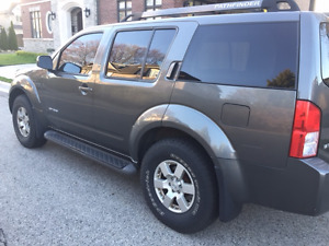 2005 Nissan Pathfinder SE Off Road package SUV, Crossover