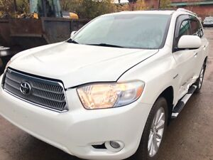 2008 Toyota Highlander HYBRID Limited arrived at Pic N Save!!